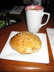 Hot Coochie y Pan de Muertos