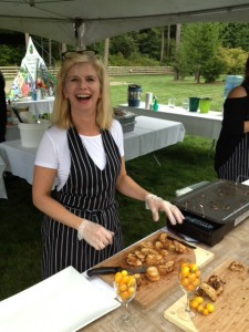 Lee Murphy of Vista D'oro Farms with her mini Grilled Cheese with preserves