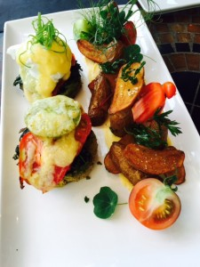 Heirloom Tomato Benny-less Benny
