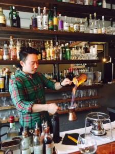 Satoshi Yonemori at Grapes & Soda making theDante's Handshake