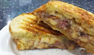 Grilled Gouda & Roast Beef Sandwich